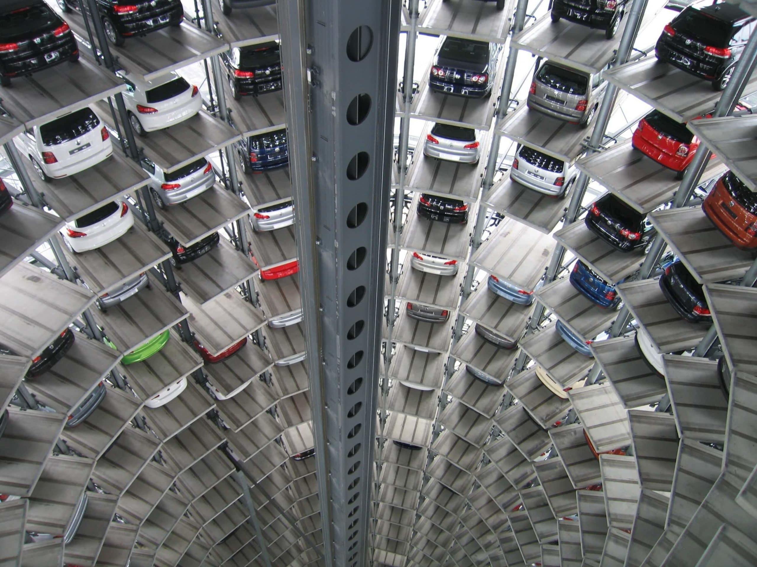 vehicles-in-garage